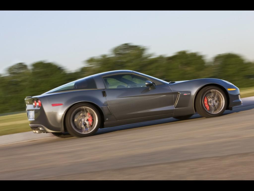 http://2.bp.blogspot.com/-EggQcY62VKo/TdjJuKSWsaI/AAAAAAAADXA/iRLTnBwFE6k/s1600/Chevrolet+Corvette+Z06+Wallpaper+7.jpg