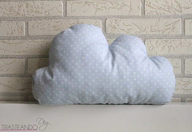 Diy coj n nube para los peques de la casa trasteando diy - Como hacer una nube ...