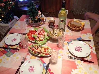 Праздничный стол - салаты на закуску - Новый Год