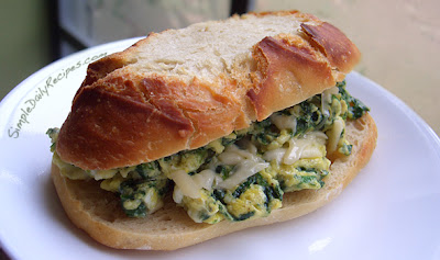 Simple Recipe for Sandwich, Spinach and Egg Breakfast Sandwich
