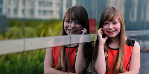 Lirik Lagu dan Video Musik Connie Talbot Beautiful World