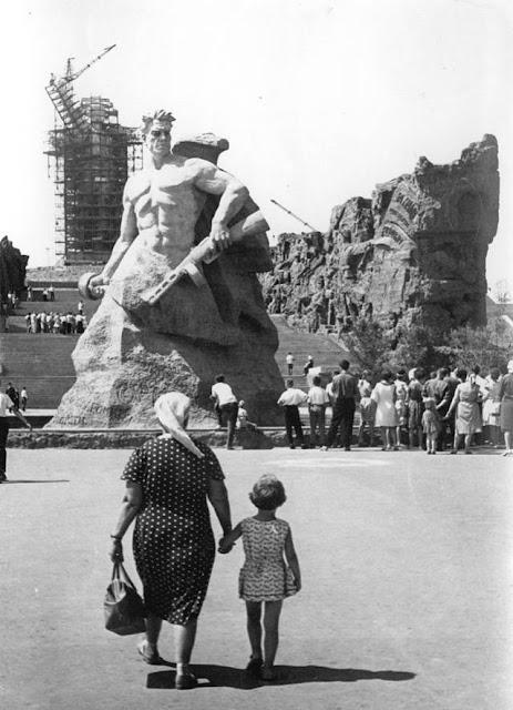 Mamáyev Kurgán  Estatua de la Madre Patria Rusia estatua gigante Родина-мать зовёт