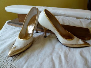 1950's Vintage White and Gold Spectator Pumps