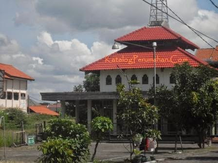 Masjid dan taman bermain anak Graha Sunan Ampel 1 Wiyung