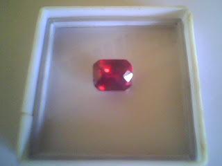 Batu Garnet Merah