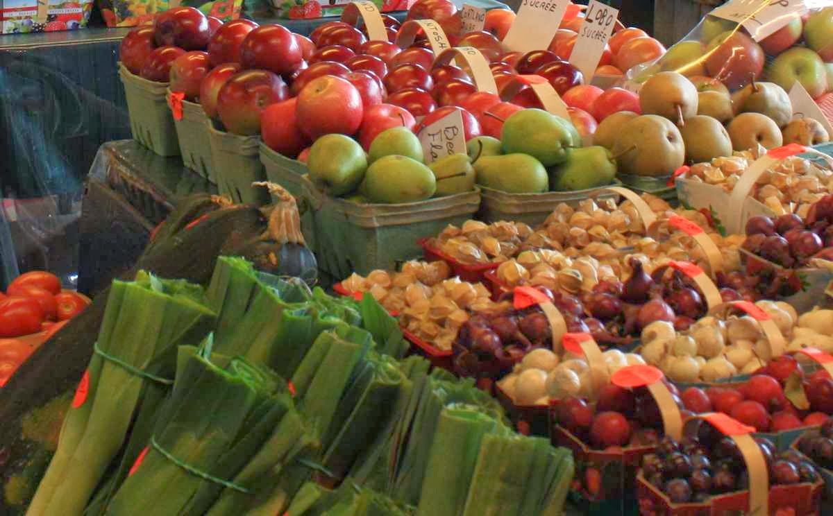 Obst und Gemüse frisch vom Bauern © Copyright Monika Fuchs, TravelWorldOnline