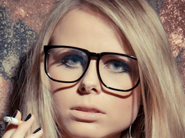Hairstyles For Long Hair With Glasses : ... to Choose A Hairstyle for Women with Glasses? Long & Short Hairstyle