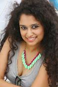 Soumya Sukumar latest hot gallery-thumbnail-12