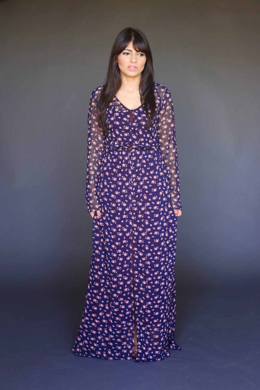 sheer long sleeve maxi dress with slip and small floral print Sophia Majeeb hijab tznius Mode-sty