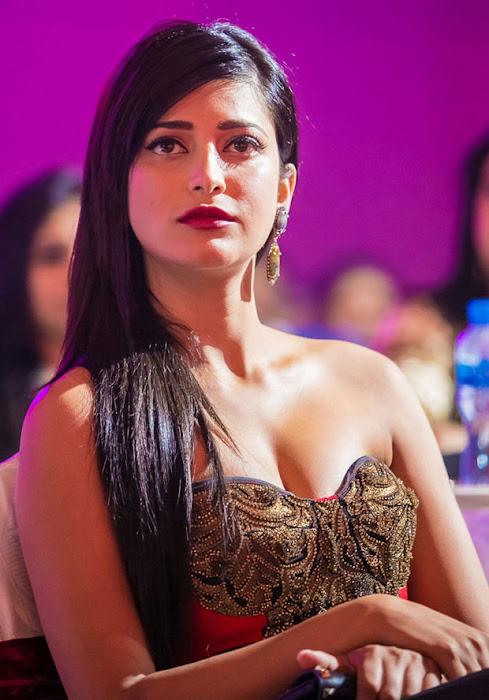 Shruthi Hassan at Siima Awards Cute Photos