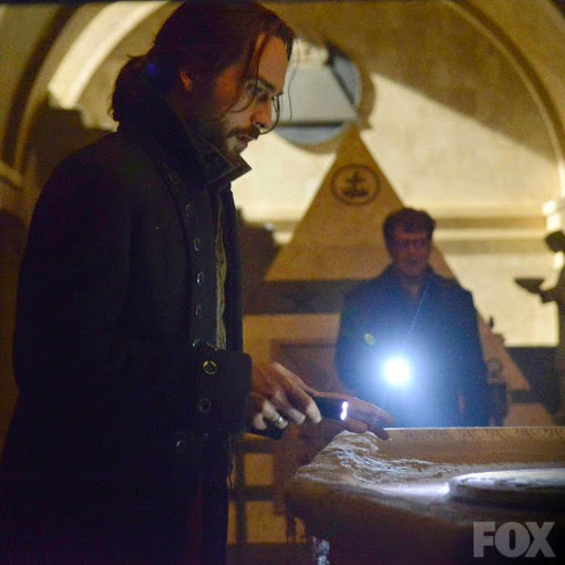 Sleepy Hollow 2x01.This Is War