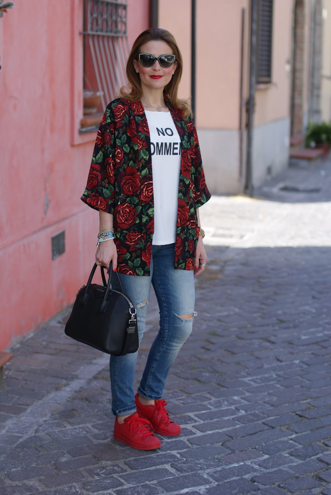 red adidas supercolor sneakers, roses kimono jacket and givenchy antigona on Fashion and Cookies fashion blog