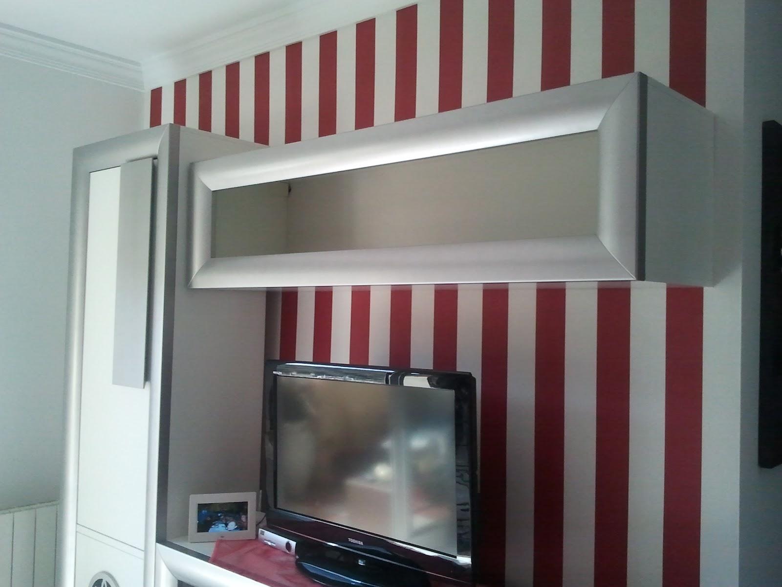 Papeles pintados y decoraciones en general papeles for Papel pintado rojo