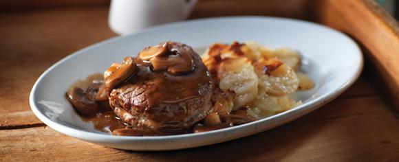 Bœuf Chasseur Avec Pommes De Terre Dauphinoises