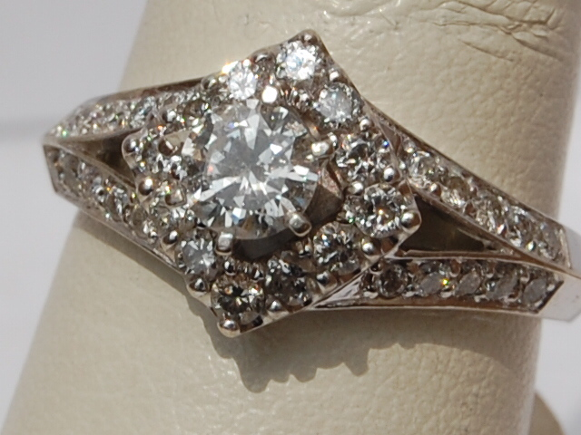 great selection of awesome clusterunique diamond rings cashland morgantown posted by cashland pawn shop - Pawn Shop Wedding Rings