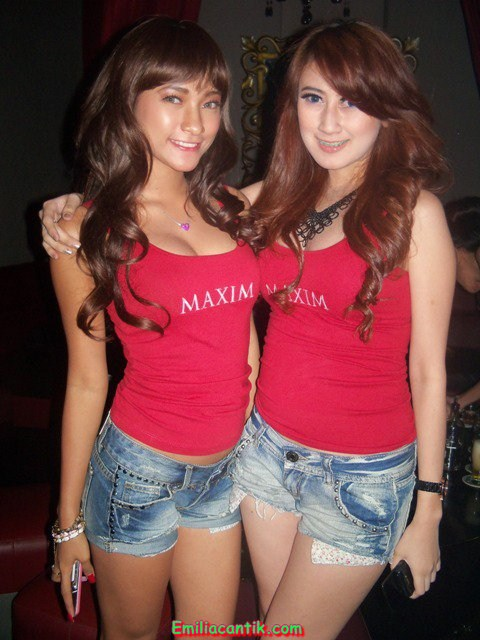Indonesian Maxim Girls in Red Night Party