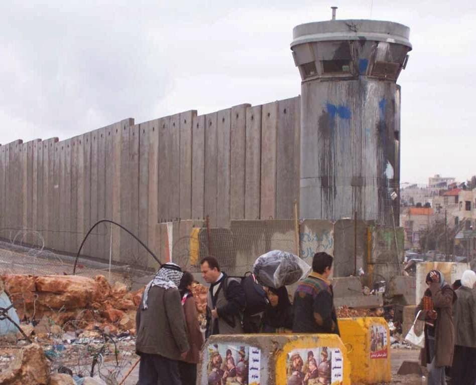 tembok pemisah diantara israel palestin yang anda tak