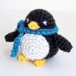 http://www.itsybitsyspidercrochet.com/2008/01/little-penguin.html