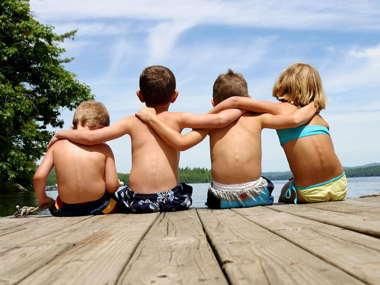 http://2.bp.blogspot.com/-Ejj7uMW2vB8/UAKrN48Du8I/AAAAAAAAERI/59Ky4FdTSKY/s1600/Best_Friends.jpg