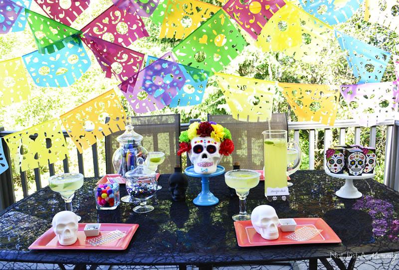 Día De Los Muertos Crafternoon Party table