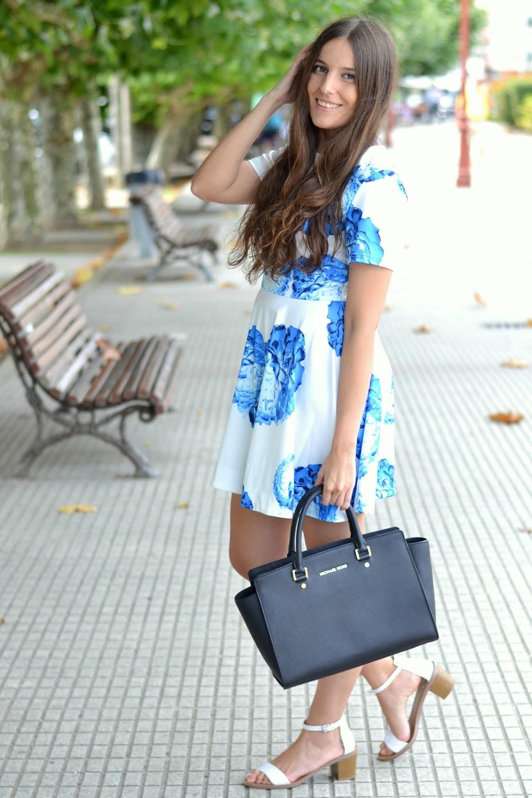vestido de flores azules de sheinside