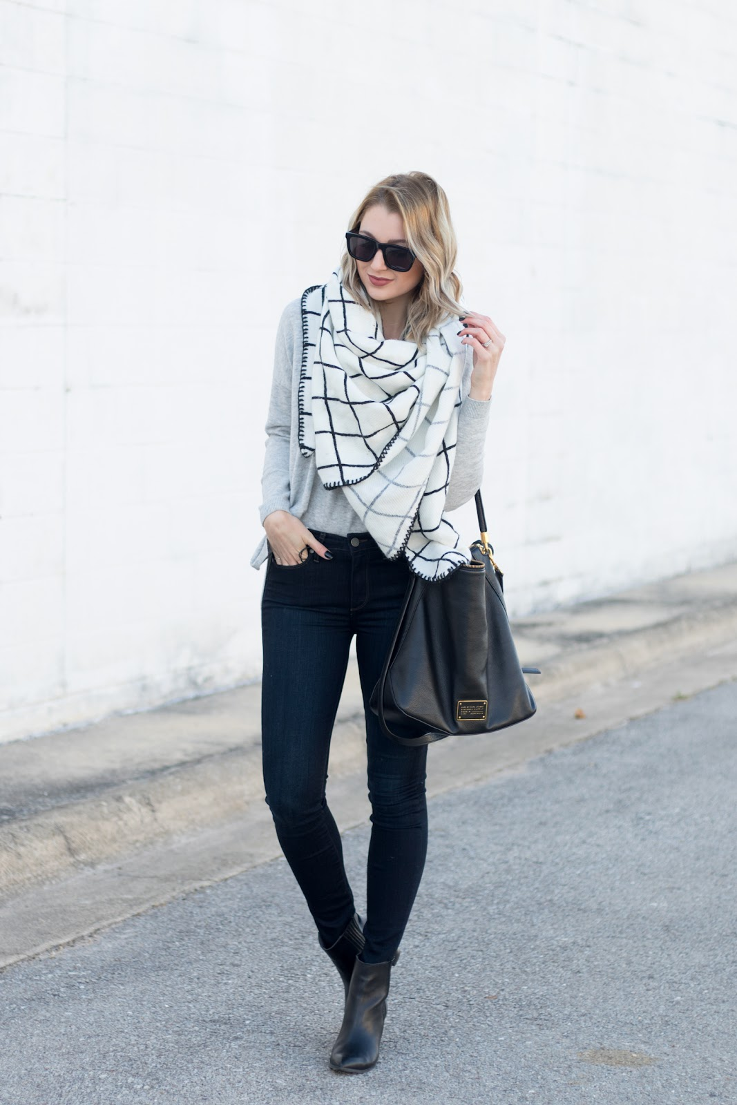 Gray, black and white winter outfit