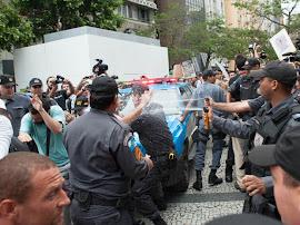 Polícia protege evento de torturadores no Rio