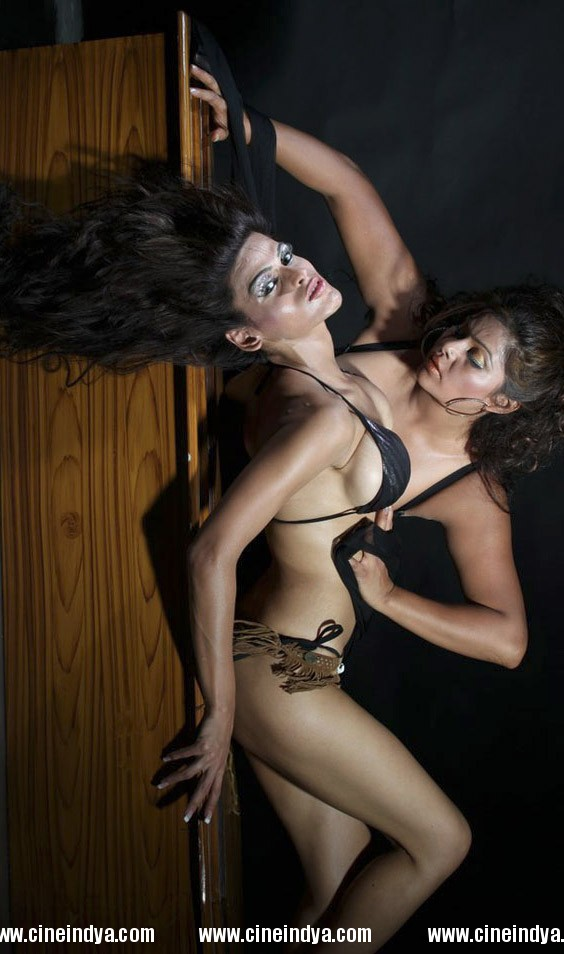 model yasmin khan and natasha sexy lesbian photoshoot pictures hot ...