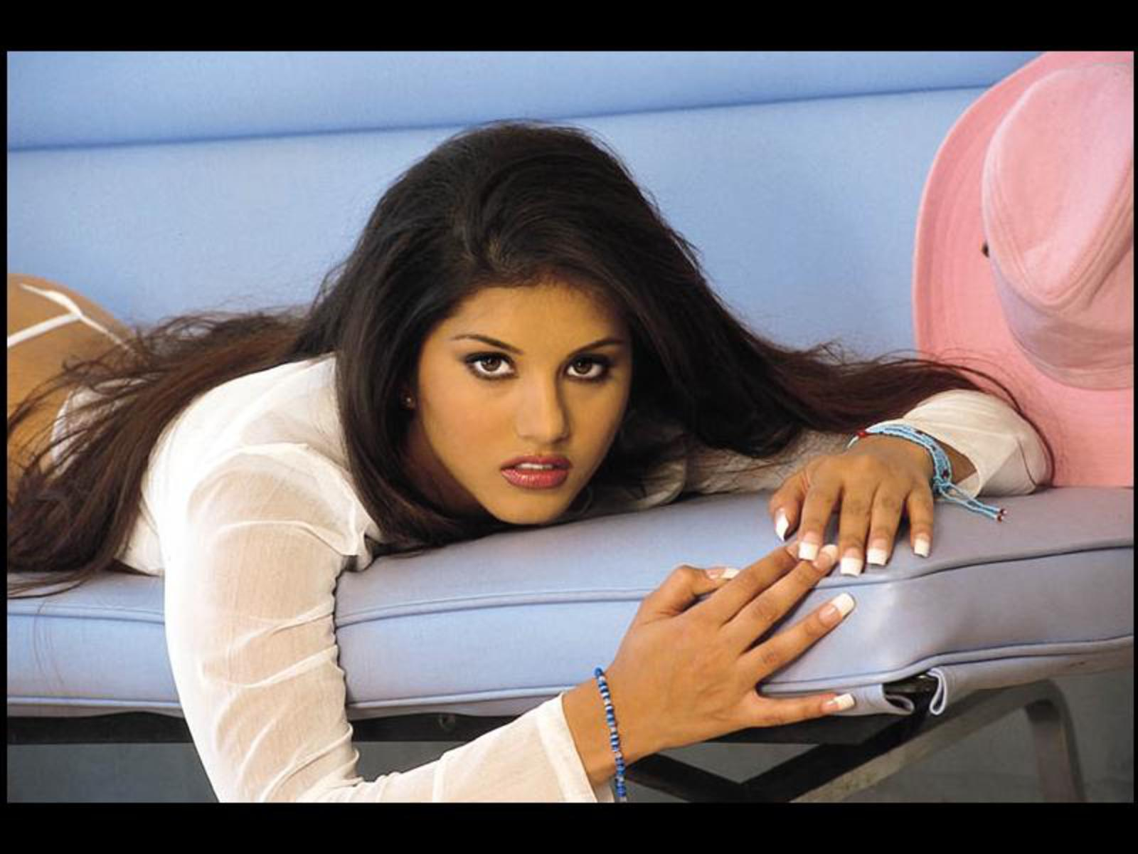 Download Latest Bollywood Actress,Cars, Movies, Bikes ...
