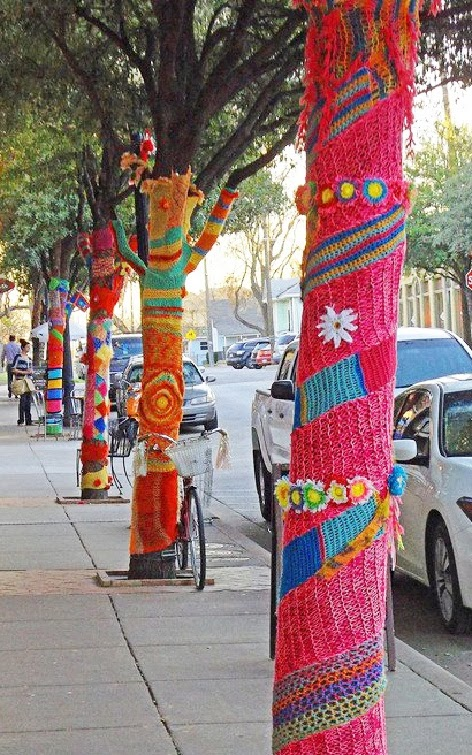 http://lauriejess.blogspot.com/2013/05/the-art-of-yarn-bombing-crochet.html