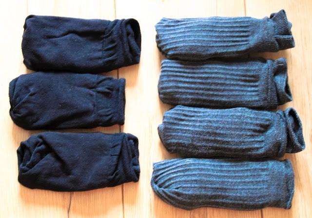 Socken sortieren einfach machen. Nur eine Sorte Socken im Schrank haben