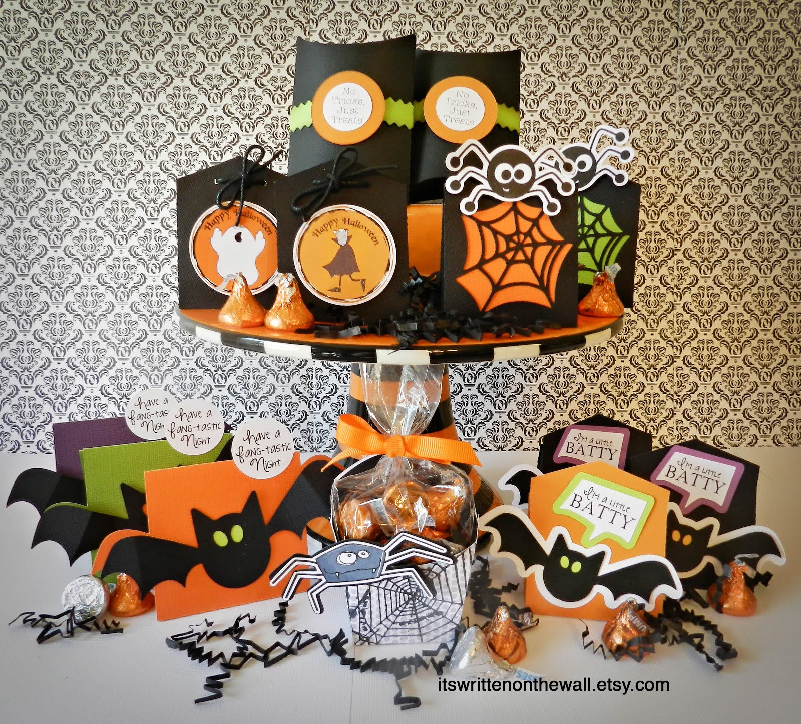 Choose from 6 Different Halloween Treat boxes