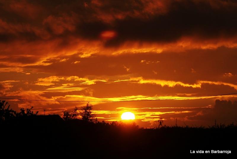 La vida en barbarroja puesta del sol for Centro turistico puesta del sol