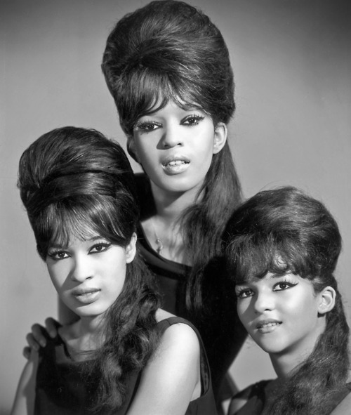 Hairstyles Of The 1960s The Beehive Style Sixties