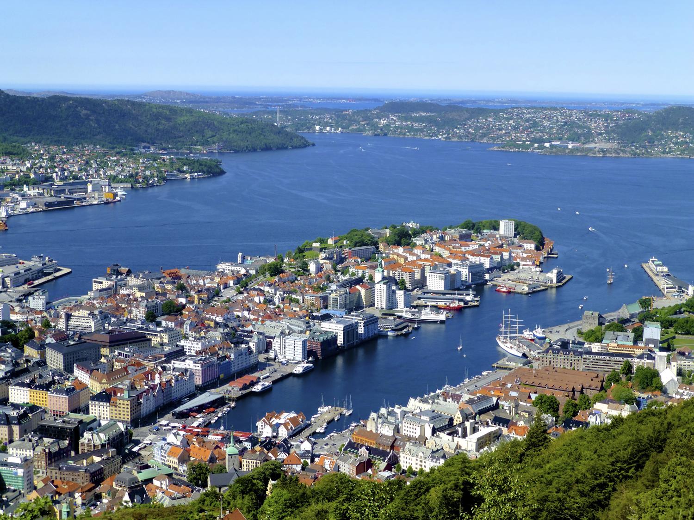 Bergen el poder de la hansa el guisante verde project for Oficina de turismo de noruega