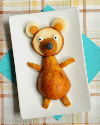 http://www.buzzfeed.com/rachelysanders/easy-adorable-animal-snacks-to-make-with-kids?bfpi