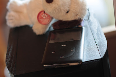 iPod Classicです.GX-500HDの上においてあります.