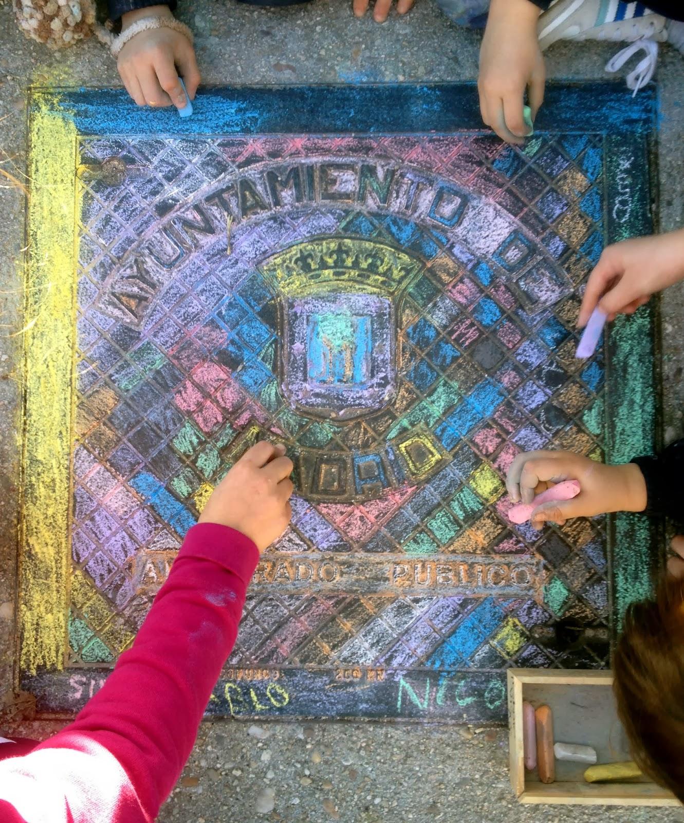 Trabajo colaborativo y creativo de niños