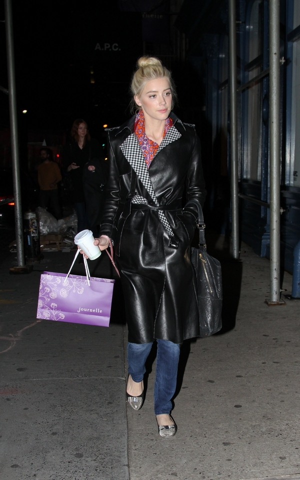 Amber Heard shopping Journelle