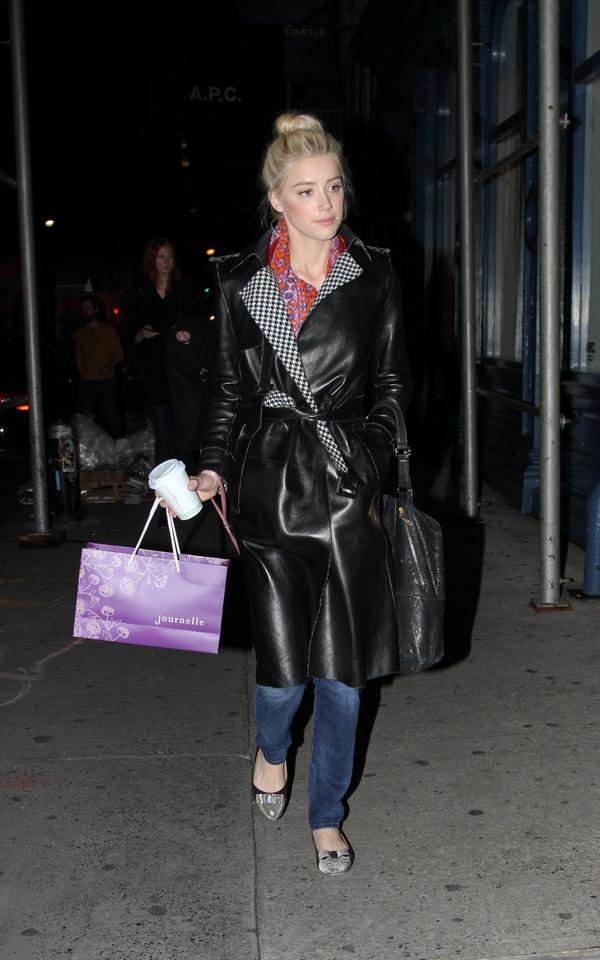 Amber Heard shopping Journelle