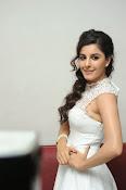 Isha Talwar Glamorous photos-thumbnail-18
