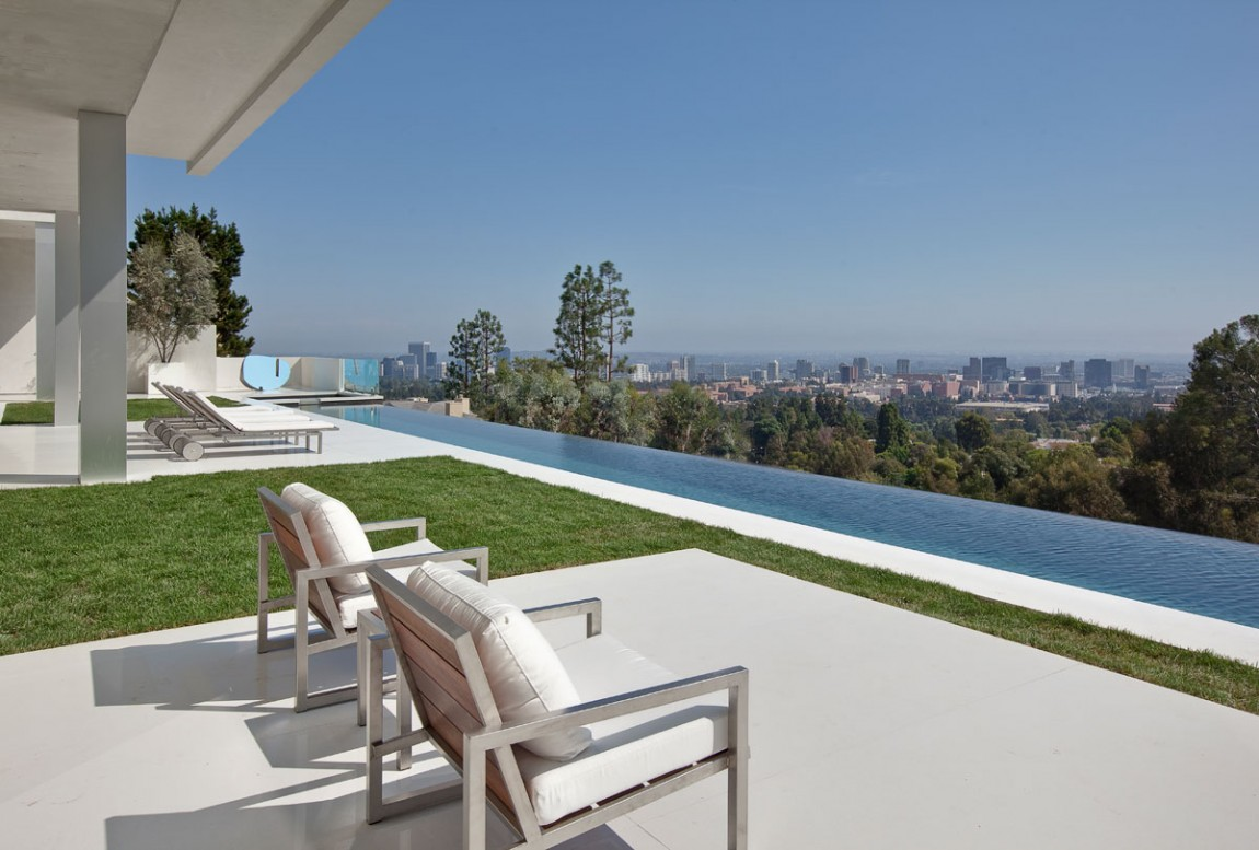 Large modern home with lovely city views bel air los for The view house