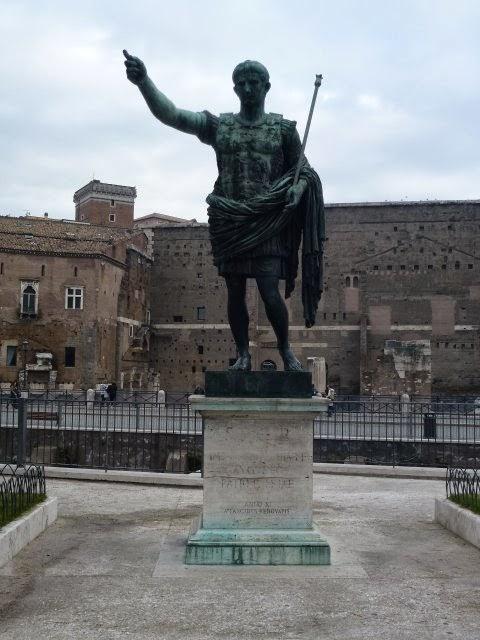 Augusto el foro de augusto for Augusto roma