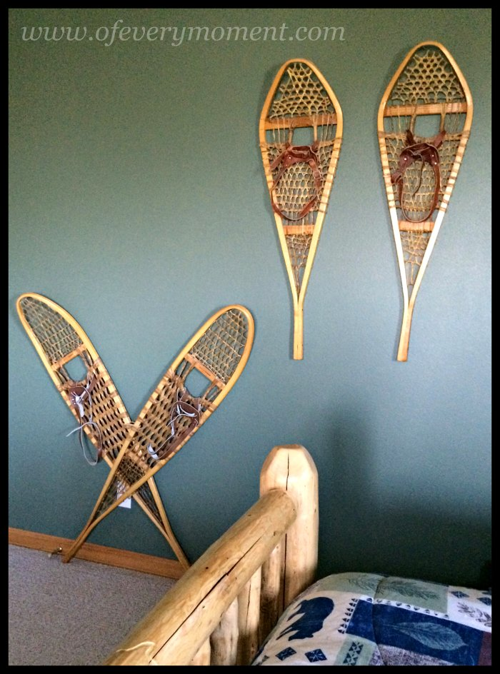 snowshoes, decor, guest room