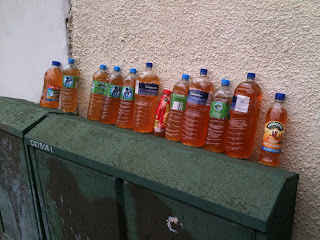 http://2.bp.blogspot.com/-EmM0JyUH2gY/TyZ-iIaxarI/AAAAAAAACtg/W1pW74sFifI/s320/More_Bottles%2521.JPG