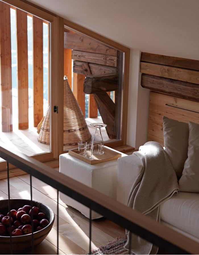una casa rustica moderna - detalle de la buhardilla