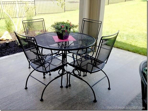 Kursi teras dari besi