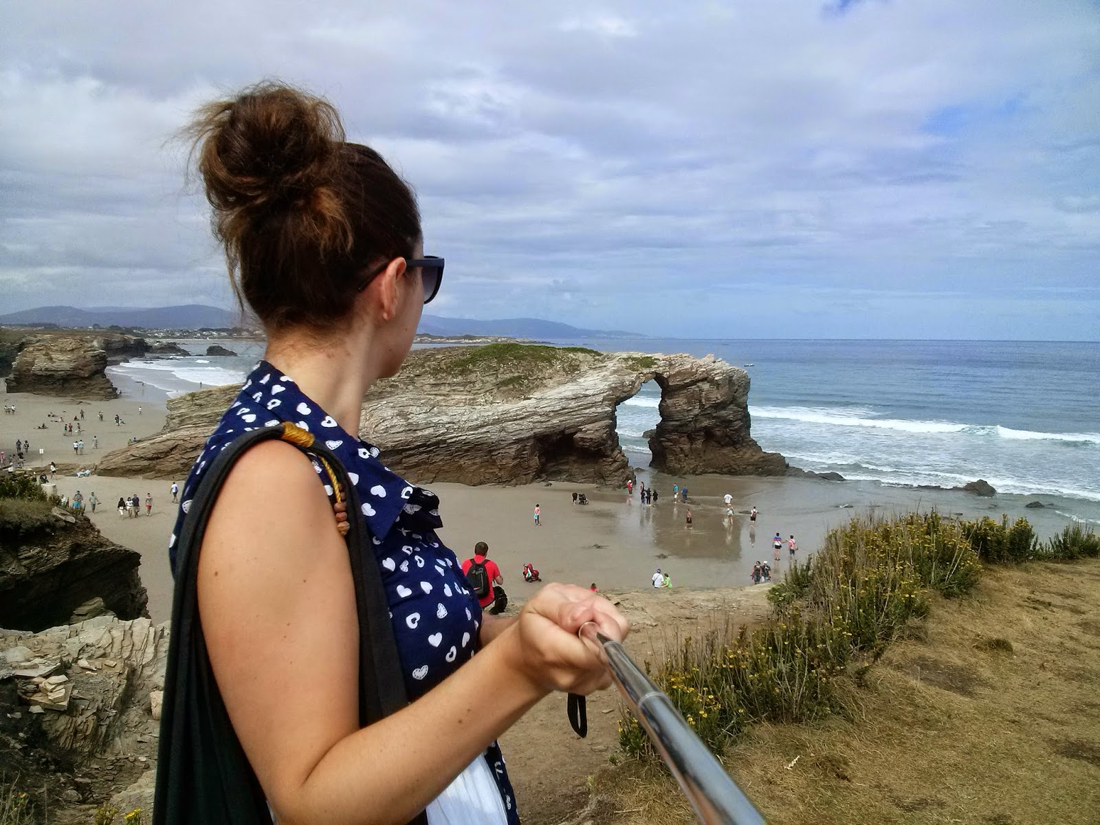 La playa de las catedrales en Galicia. Palo selfies