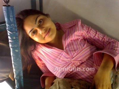 Desi Bengali girl Telling about hot boys