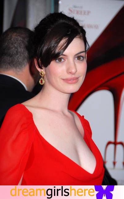 Anne Hathaway American Preety Host Anne+Hathaway-+7